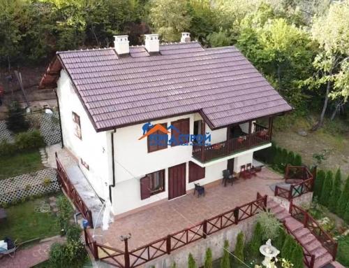 Как да изберете възможно най-добрия изпълнител на покриви