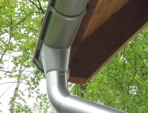 Избор на улуци за покрив: метал или PVC?